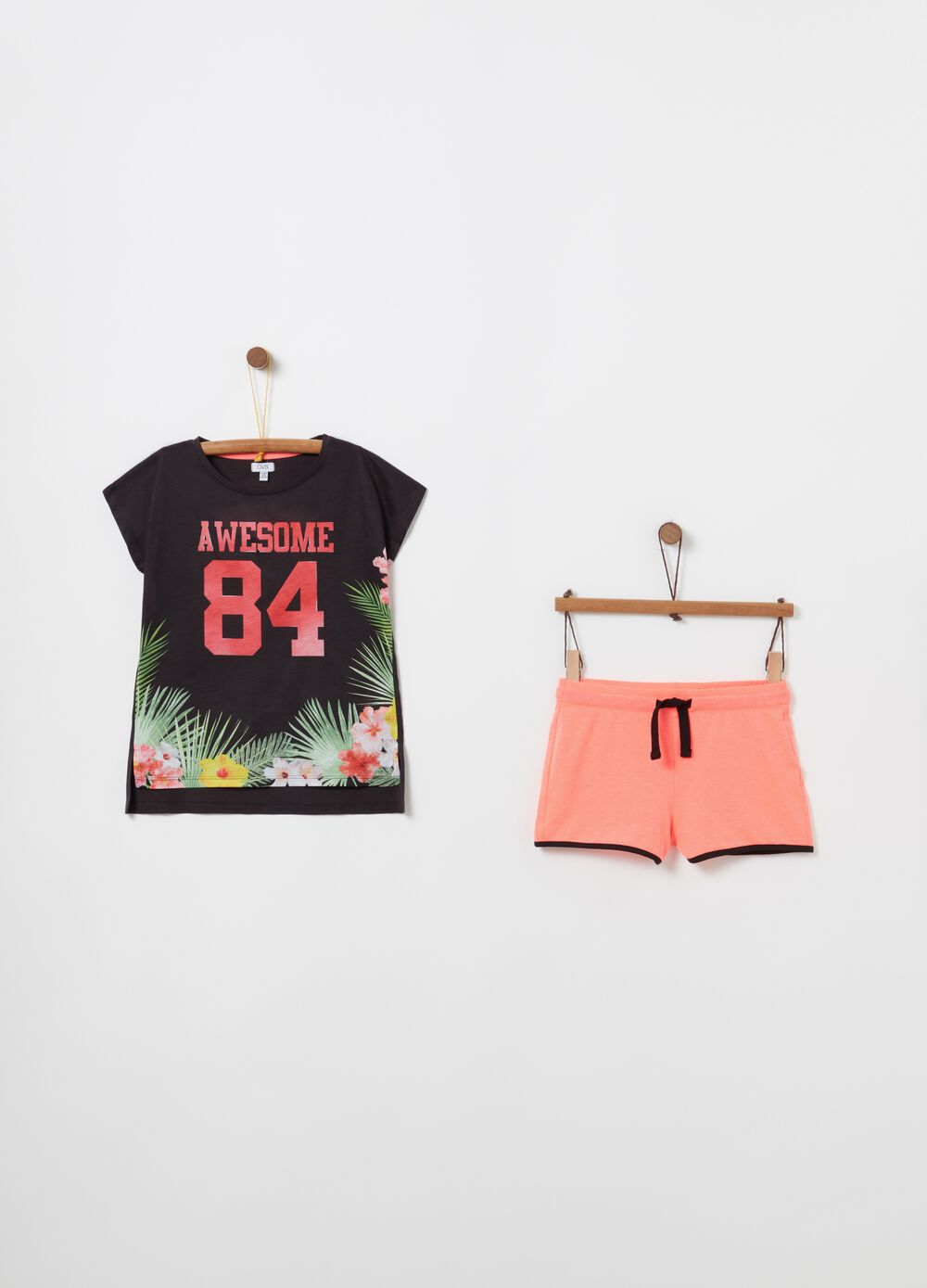 T-shirt and shorts jogging set with floral print