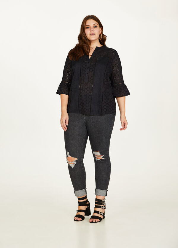 Curvy cotton lace shirt with flounce