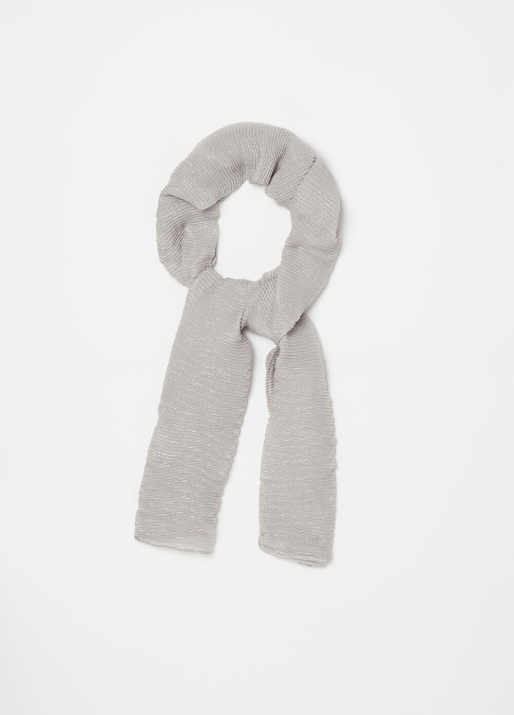 Solid colour pleated lurex-effect stole