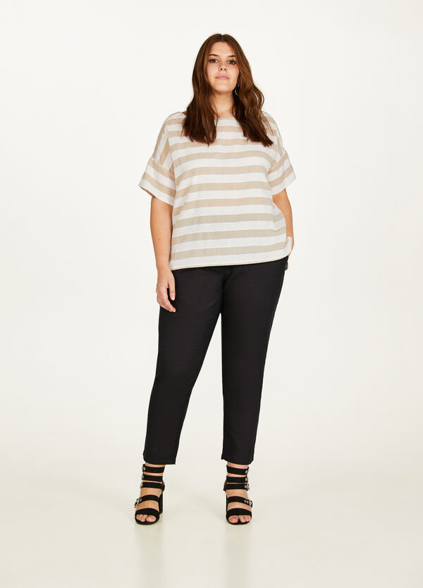 Curvy striped cotton and linen blouse