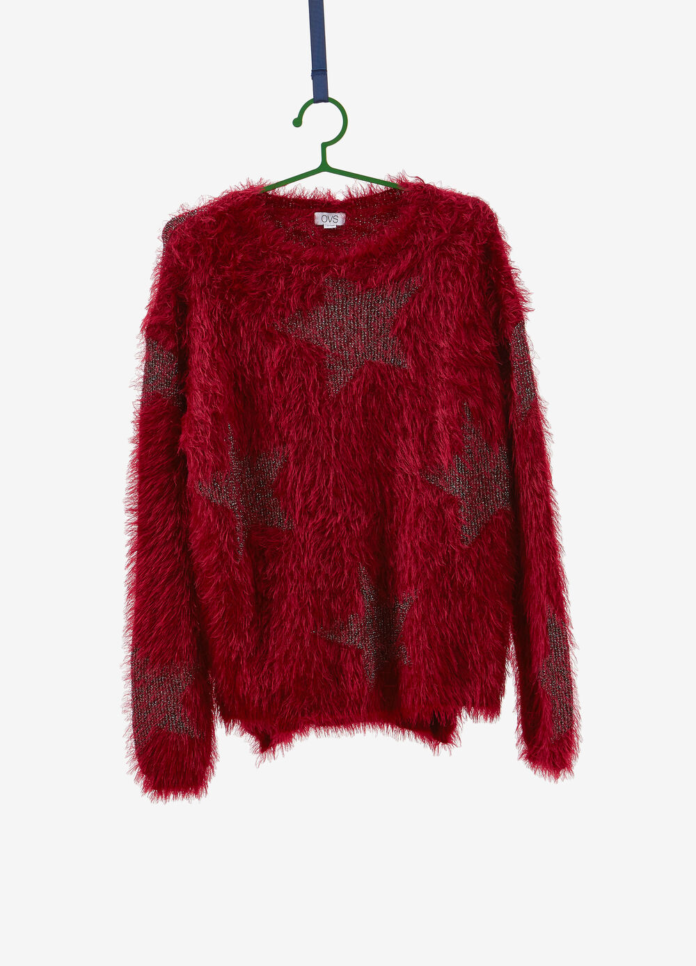 Knitted and frayed pullover with star pattern