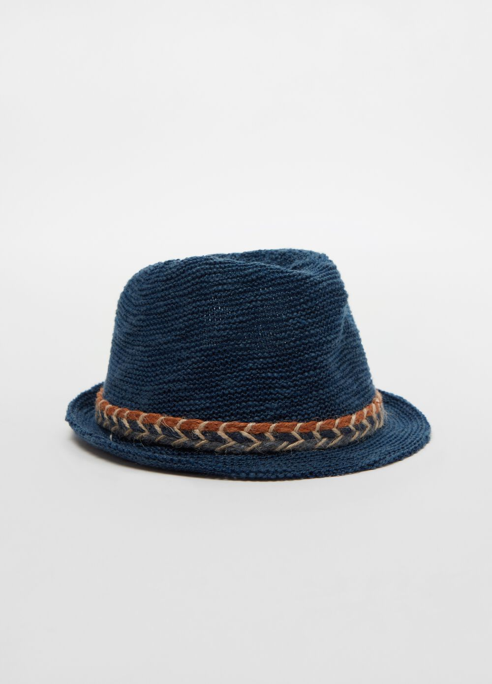Straw hat with cord insert