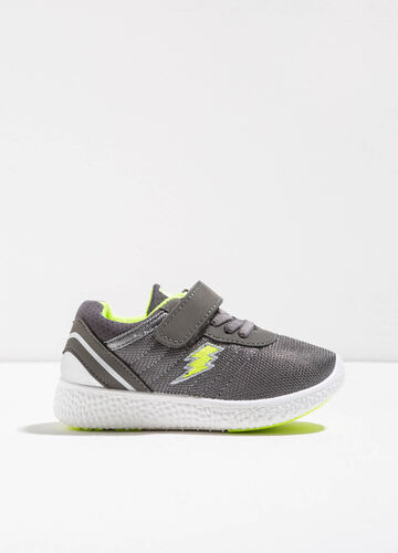 Sneakers with woven and embroidered upper