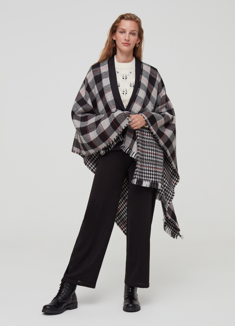 Poncho with double pattern and fringed hem image number null