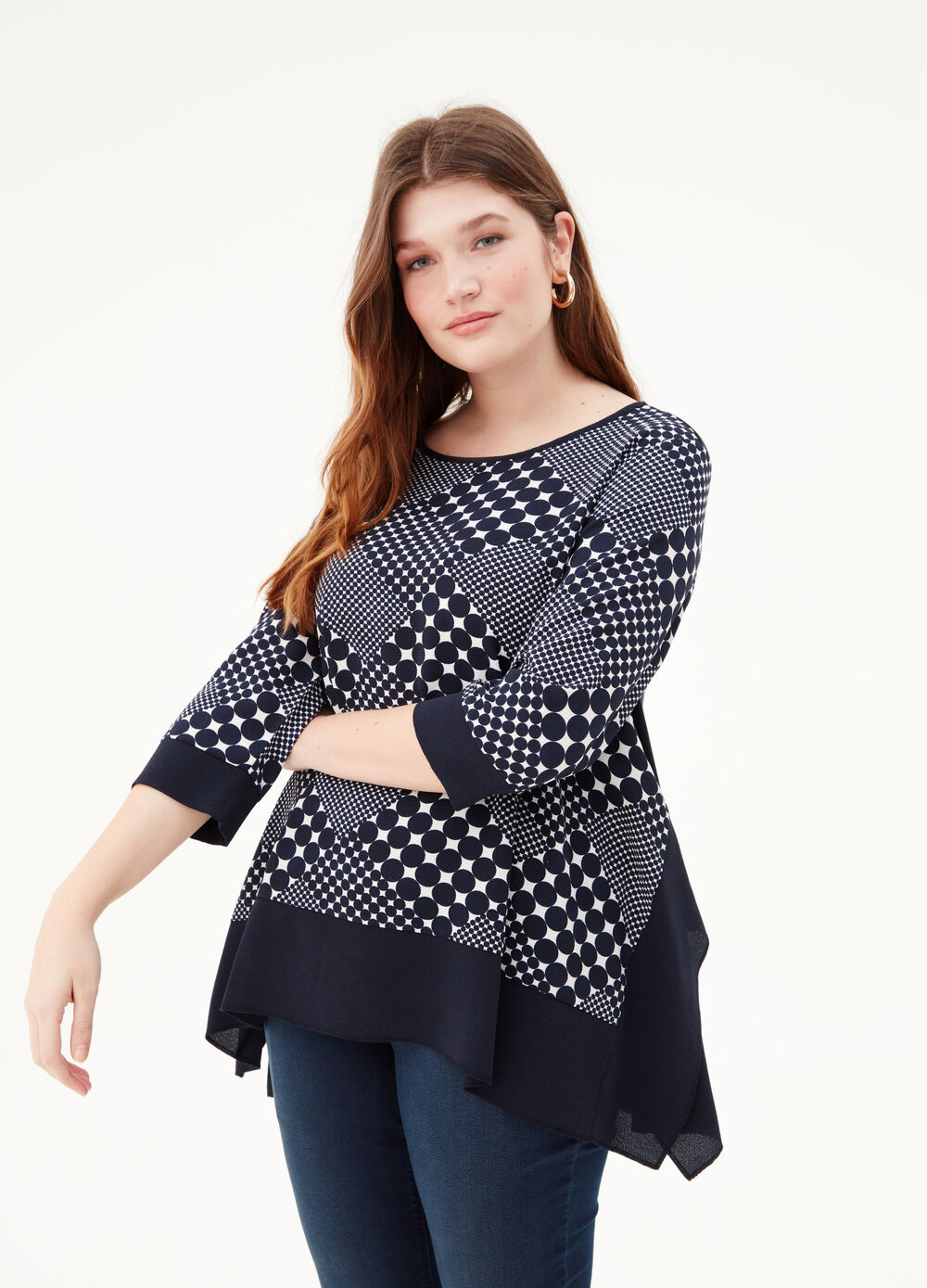 Curvy T-shirt with light pleated motif