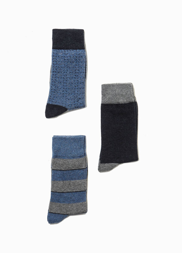 Three-pair pack patterned and solid colour socks