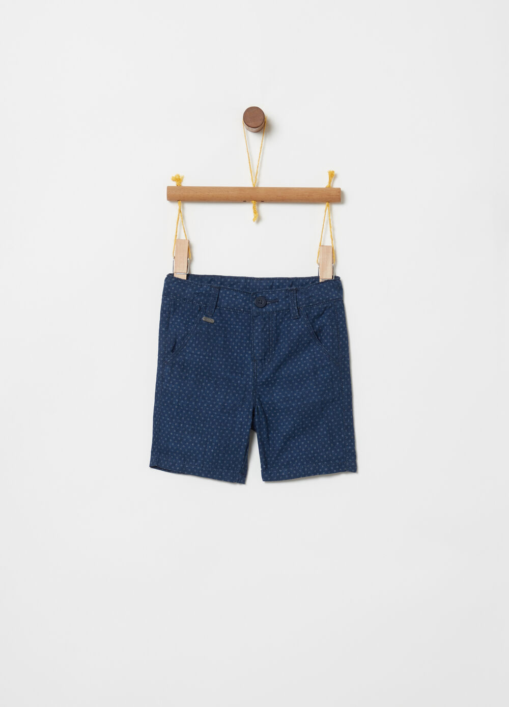 100% cotton Bermuda shorts with pockets and print
