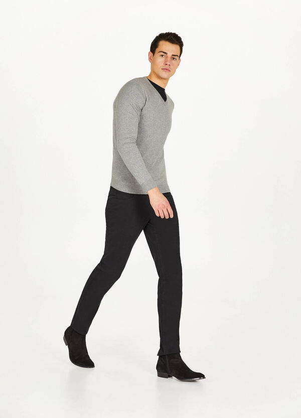 Cotton blend V-neck pullover