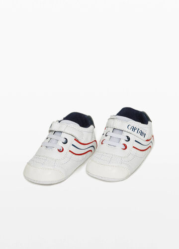 Sneakers with lettering print and stripes