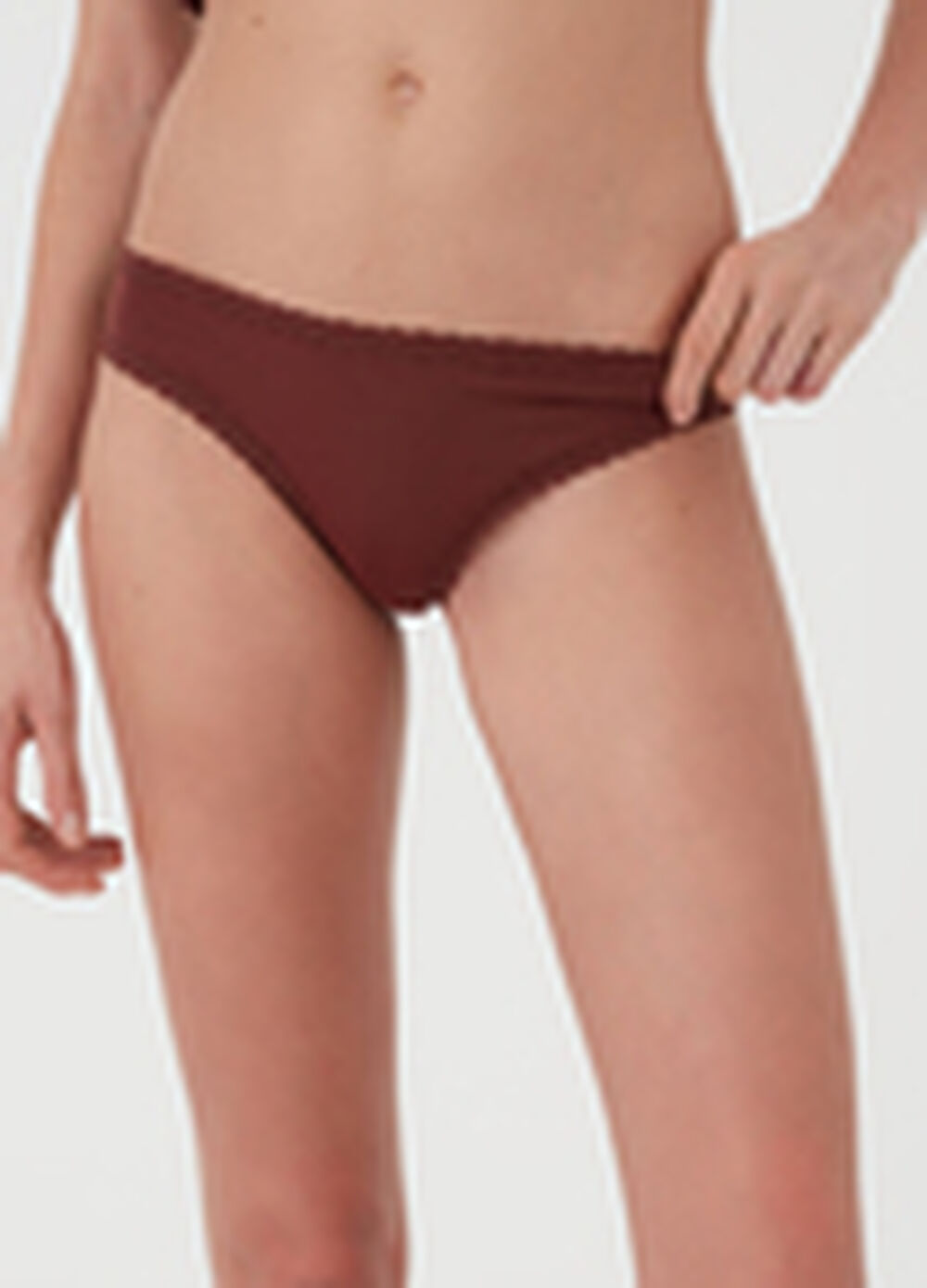 Solid colour classic briefs with lace