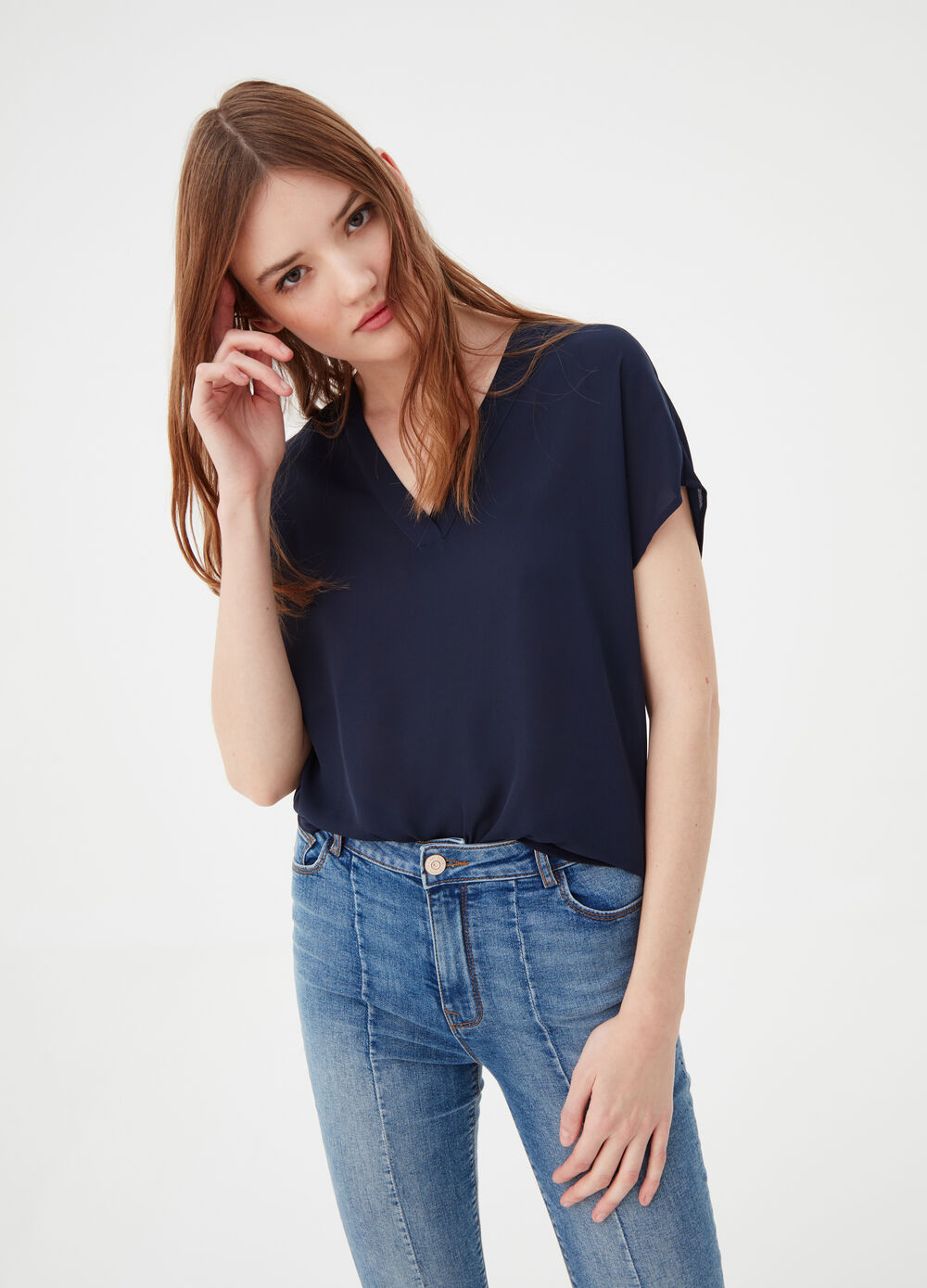 Crêpe blouse with short sleeves and V neck