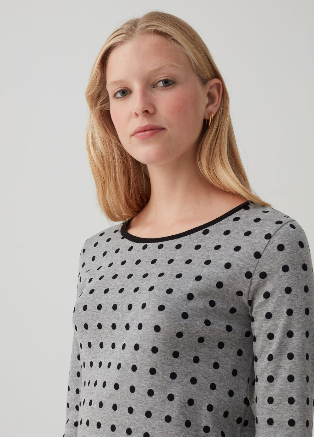 Long sleeved T-shirt with polka dot pattern