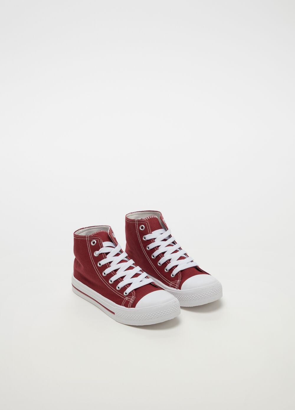 High-top sneakers with striped insert on the sole
