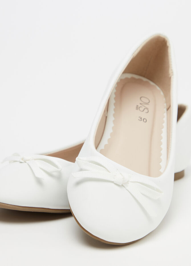 Solid colour ballerina flats with bow