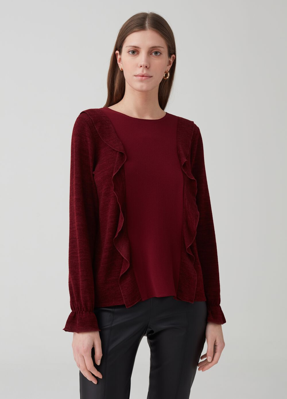 Long-sleeved T-shirt with flounce