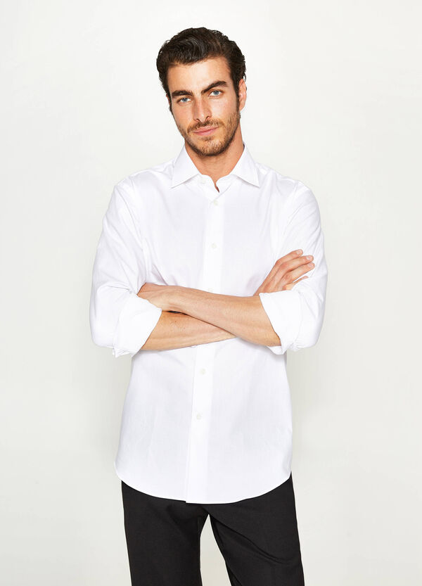 Regular-fit formal shirt with diamond weave