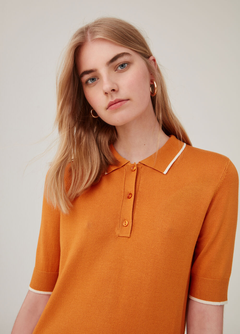 Polo shirt with elbow-length sleeves and ribbing