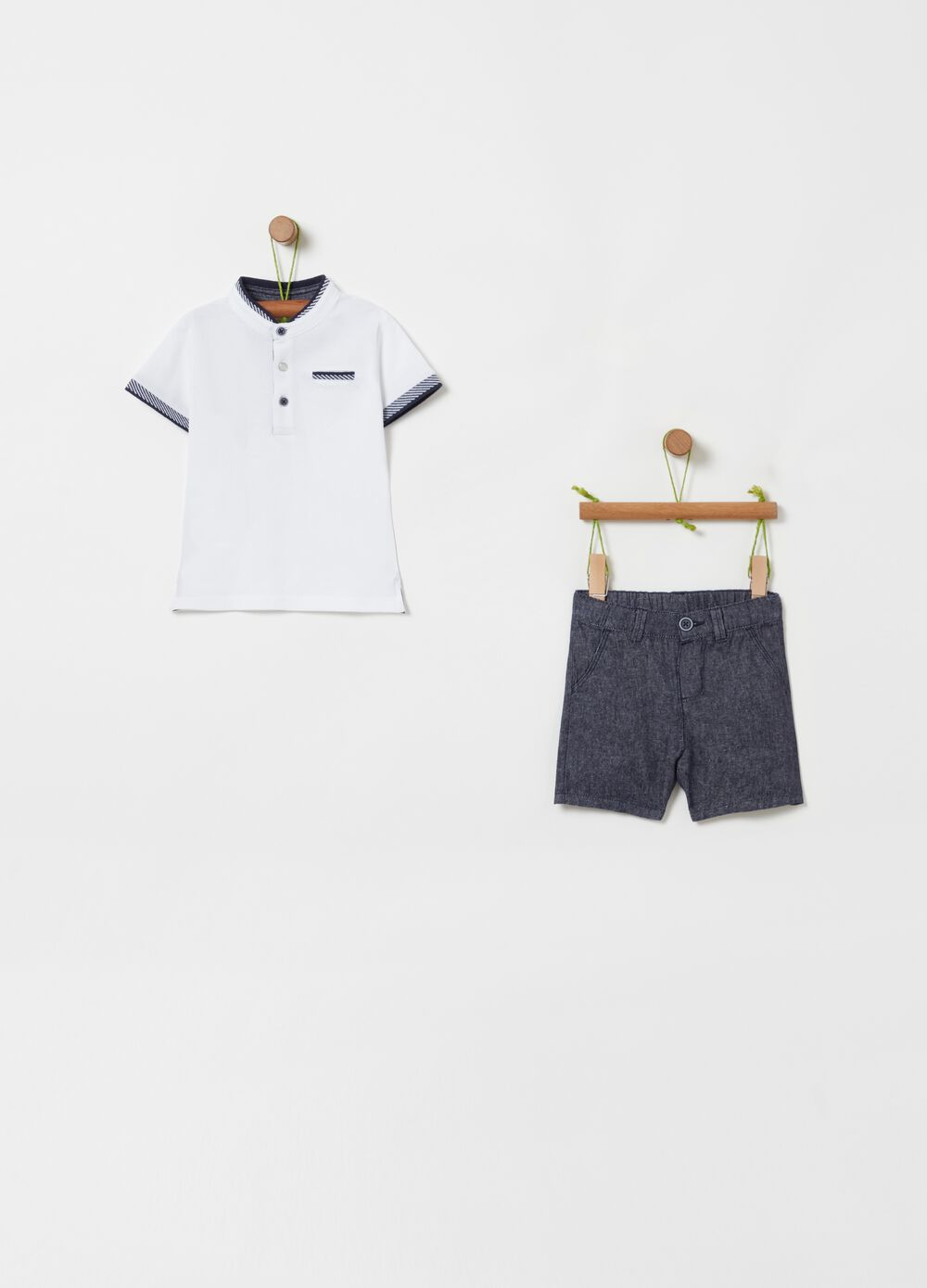 Polo shirt and shorts set with pockets