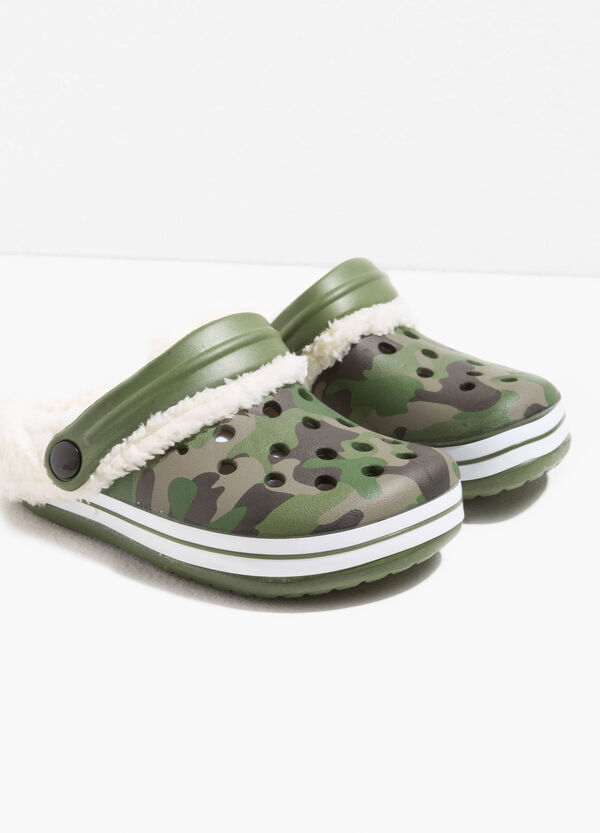 Camouflage rubber slippers | OVS