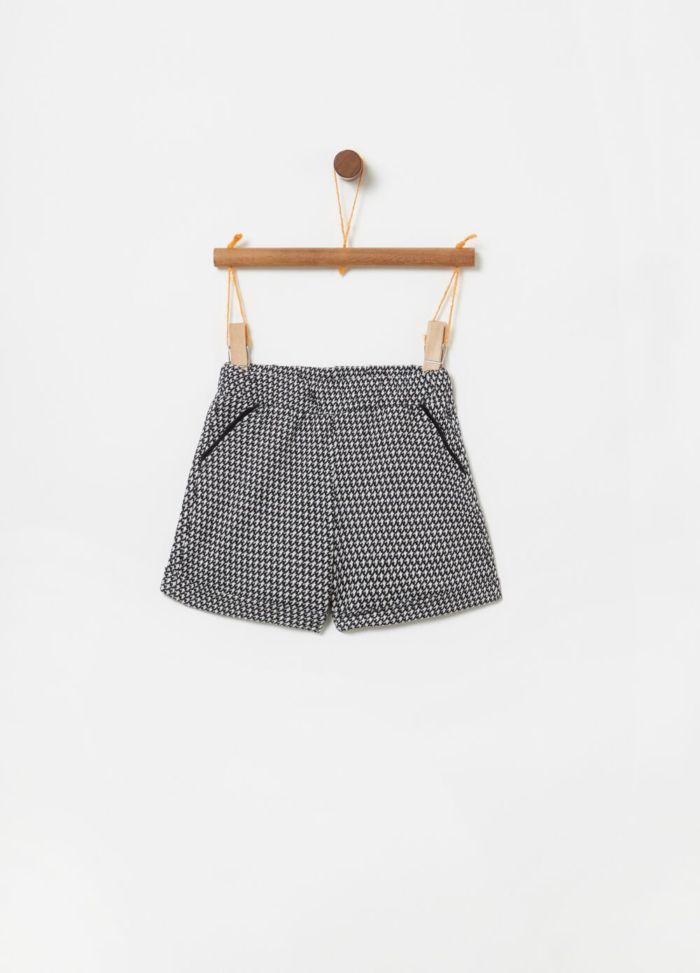 Jacquard shorts with hounds' tooth pattern