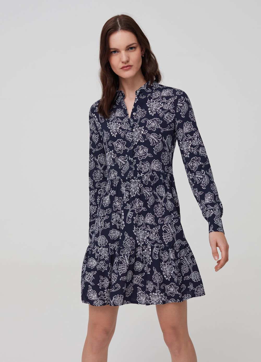 Short patterned dress in 100% viscose