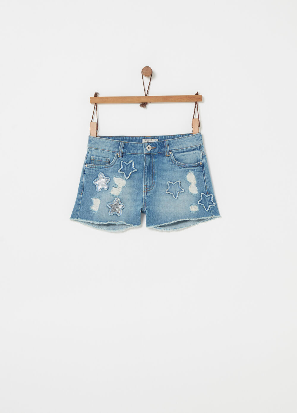 Denim shorts with patch and sequins