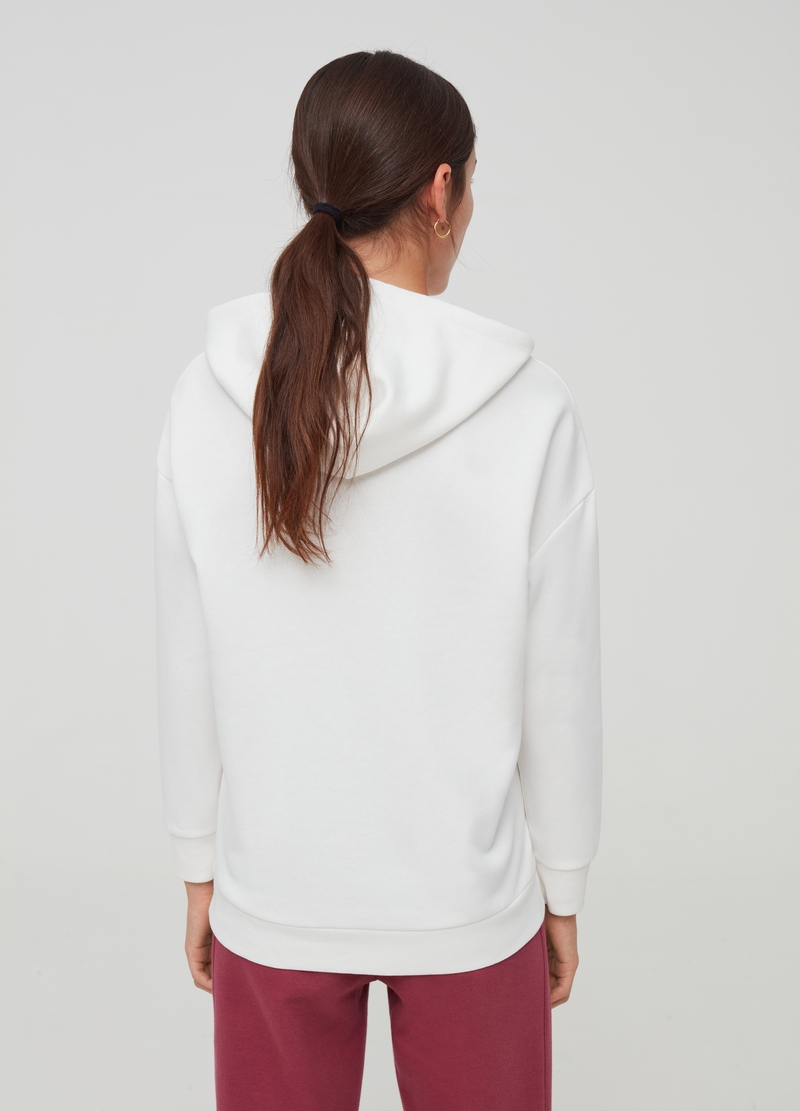 Sweatshirt with hood and drop shoulder image number null