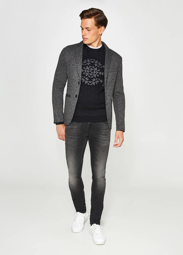Casual two-tone jacket with two-button fastening