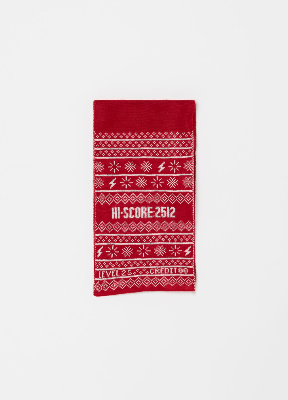 Knit scarf with Christmas pattern