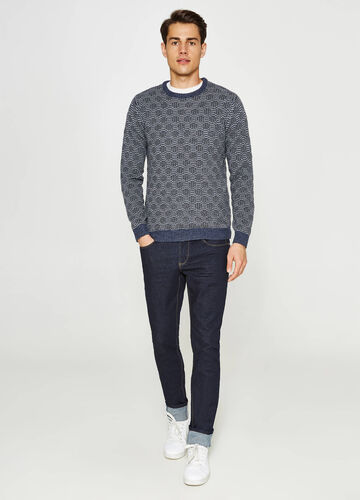 Pullover with geometric pattern