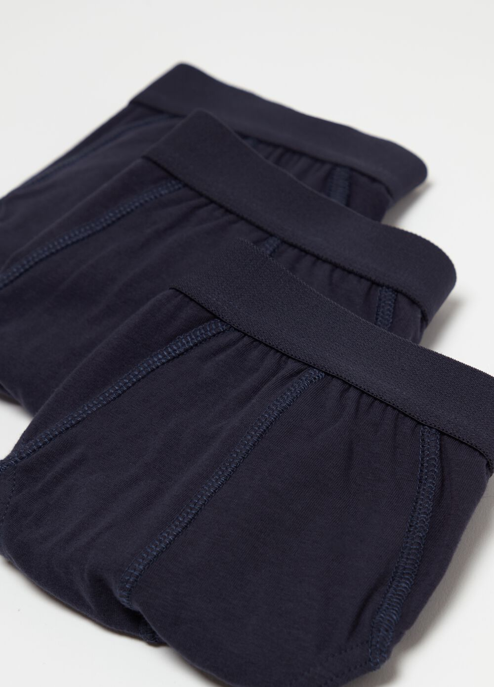 Three-pack briefs in stretch cotton