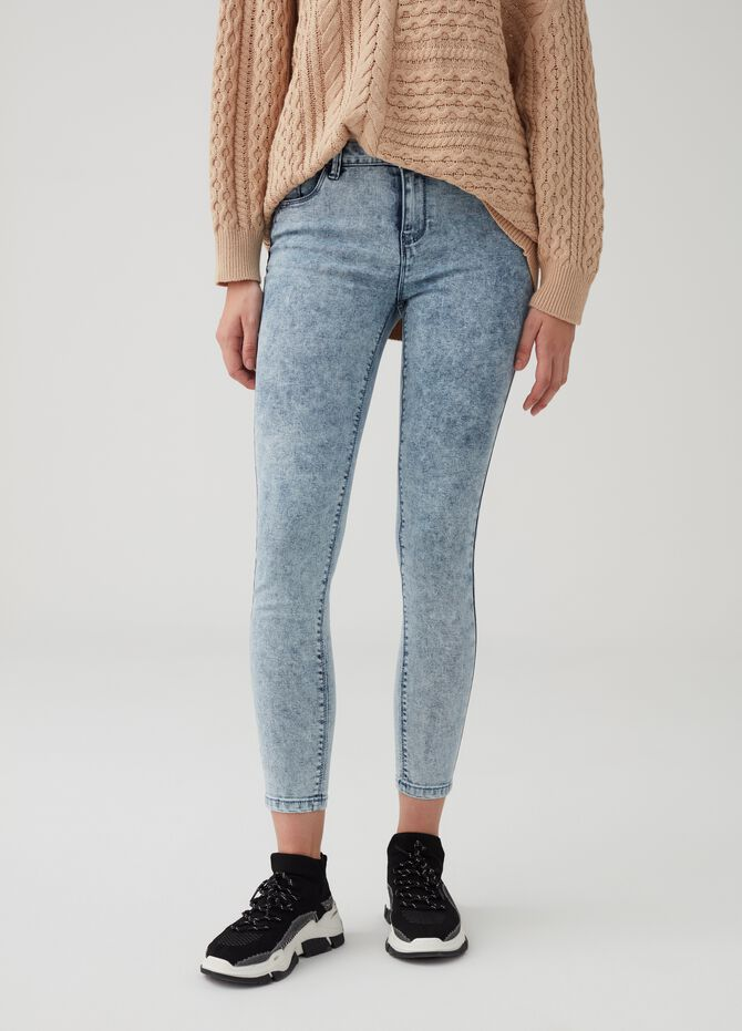 Acid wash stretch push-up jeans