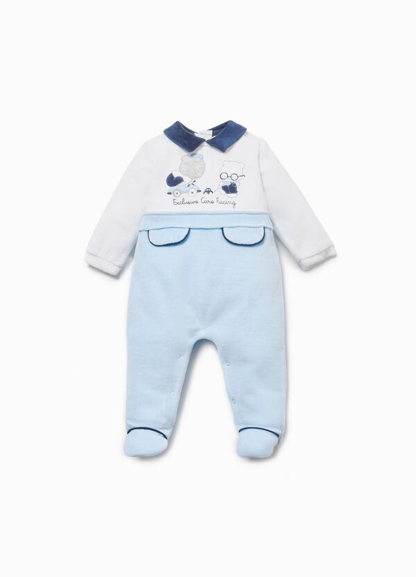 Two-tone onesie with embroidery and teddy bear patch