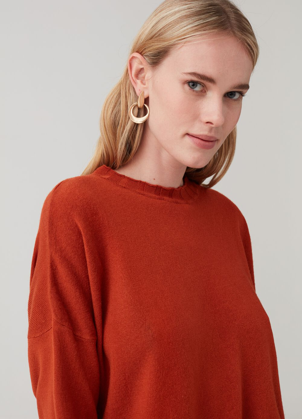 Solid colour maxi pullover with round neck
