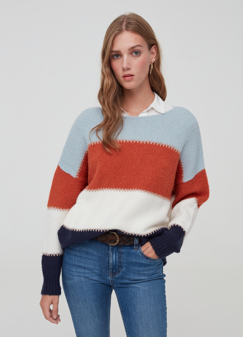 Pullover with striped pattern and drop shoulders image number null