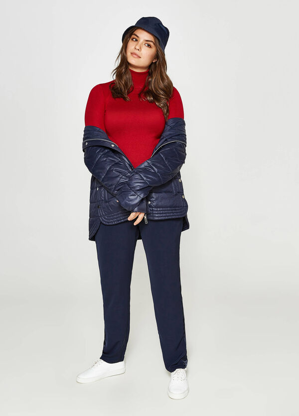 Curvy relaxed-fit trousers