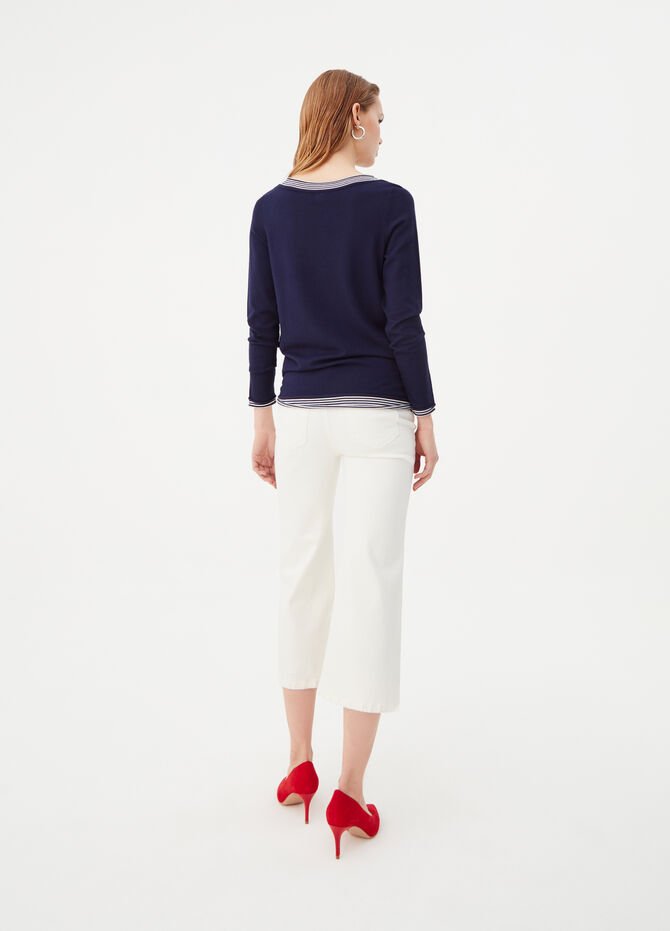 Top with boat neck and false trims