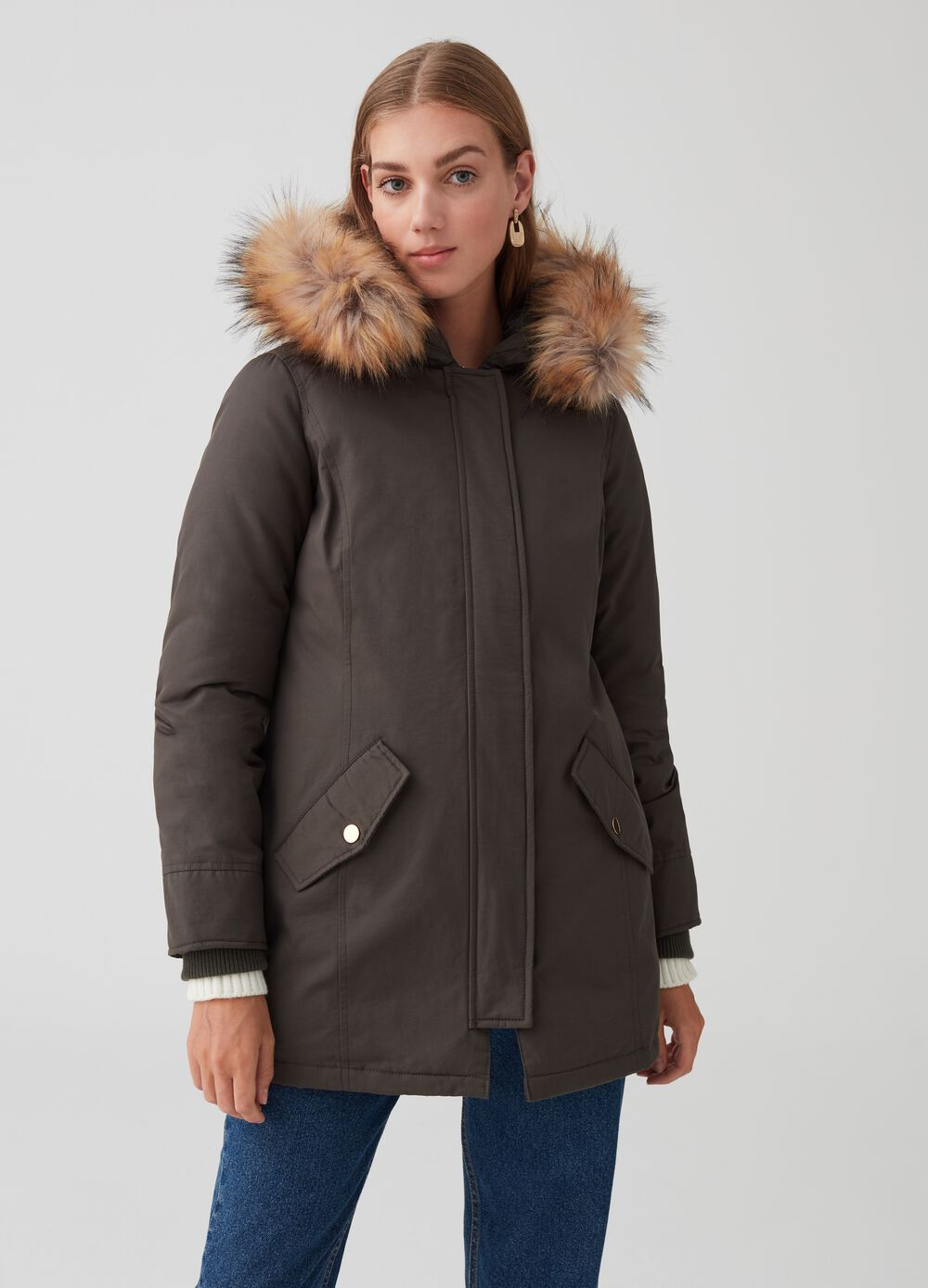 Parka with hood and pockets