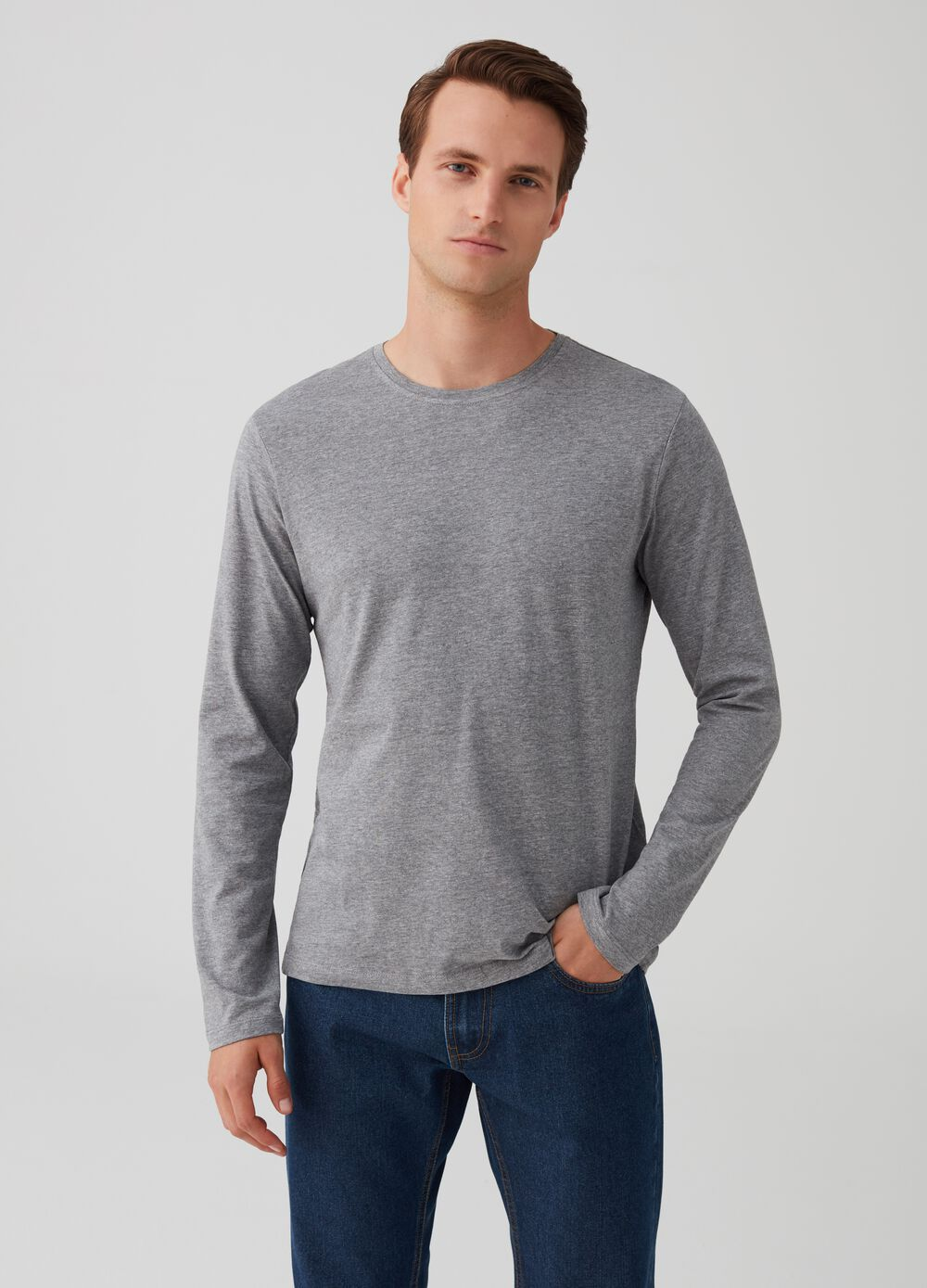 Round neck T-shirt with long sleeves