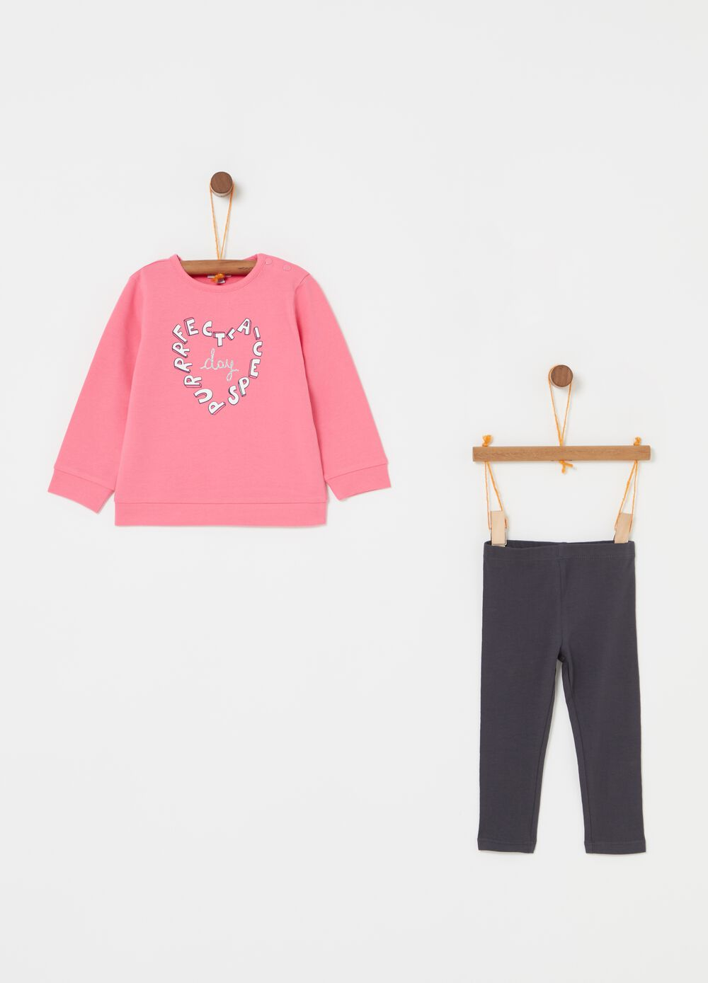 Jogging set with heart print
