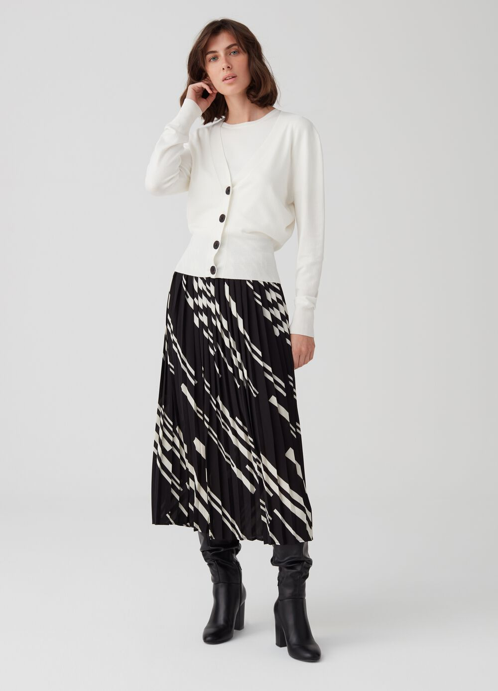 Pleated midi skirt with print