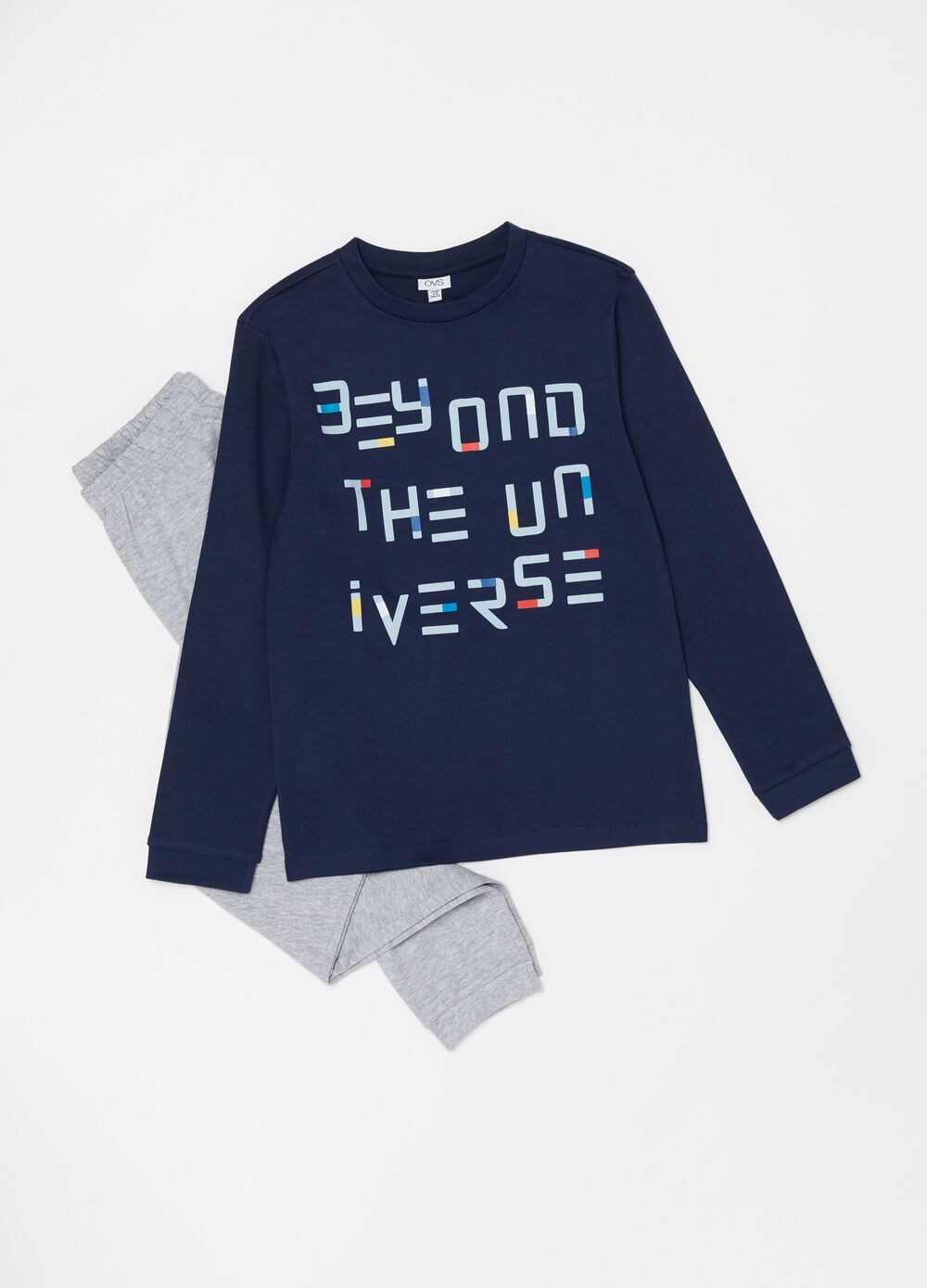 Pyjamas with printed lettering