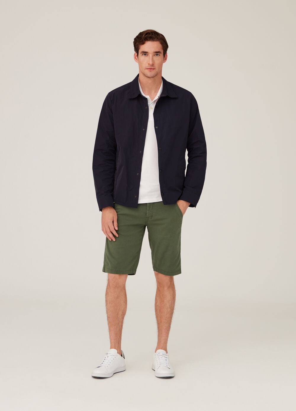 Stretch cotton chino shorts with pockets