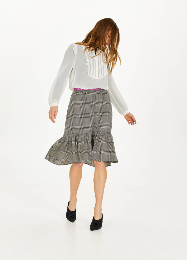 Pleated blouse with flounces