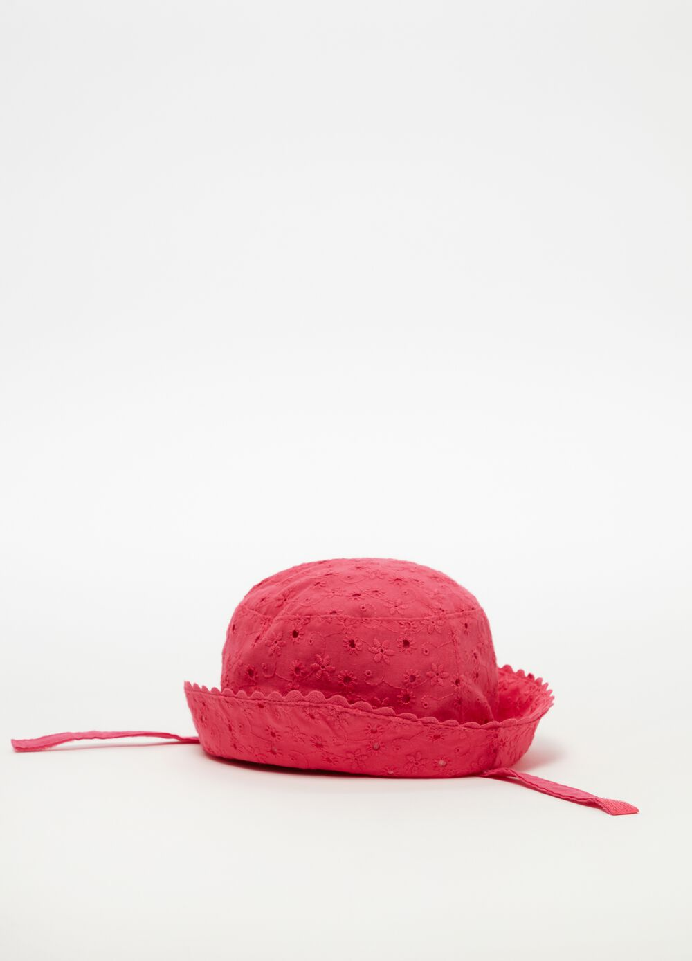 Lace-effect fishing hat