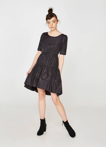 Stretch dress with elbow-length sleeves