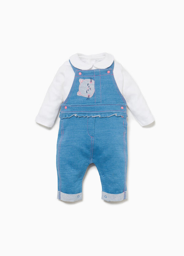 T-shirt and dungarees with kitten outfit