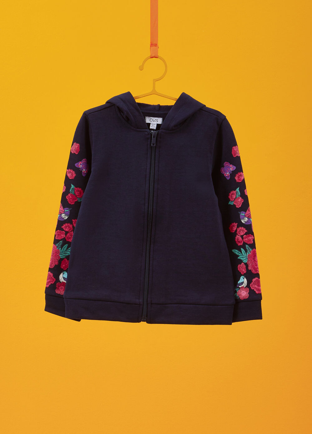 100% cotton sweatshirt with floral patches