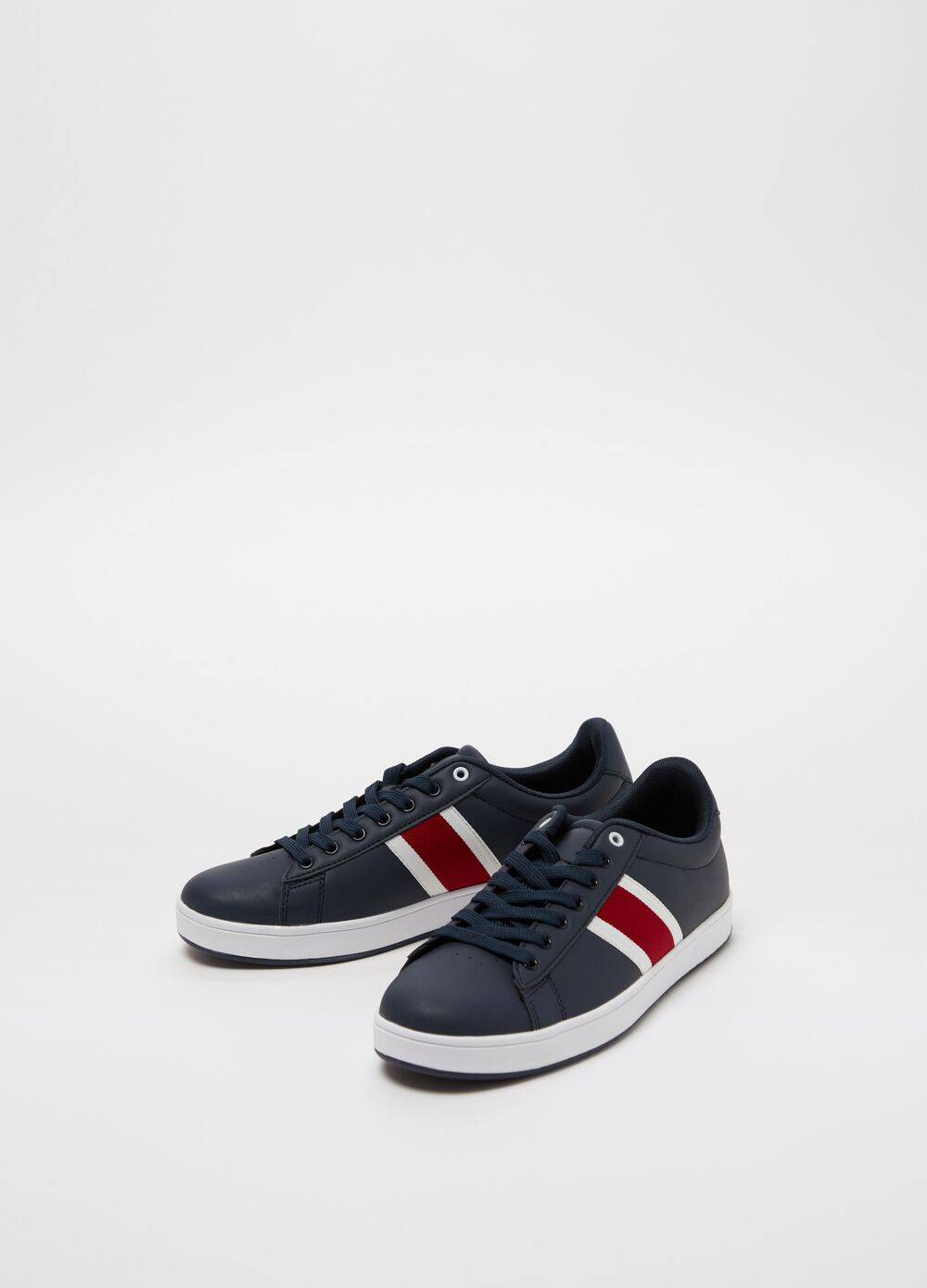 Low sneakers with striped insert