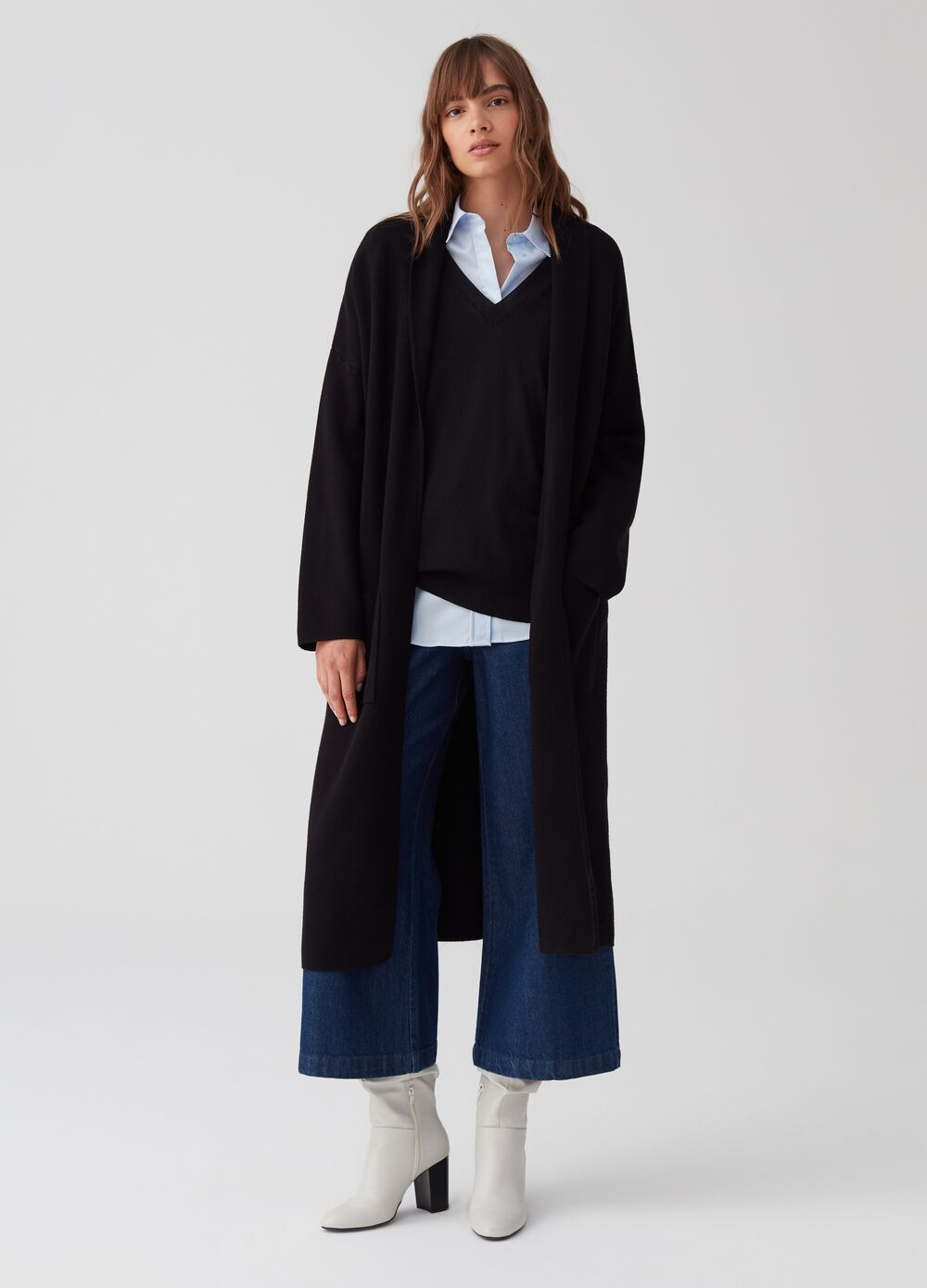Open coat with pockets and belt